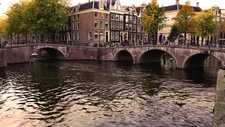 visita el puentes de los 15 puentes en Amsterdam