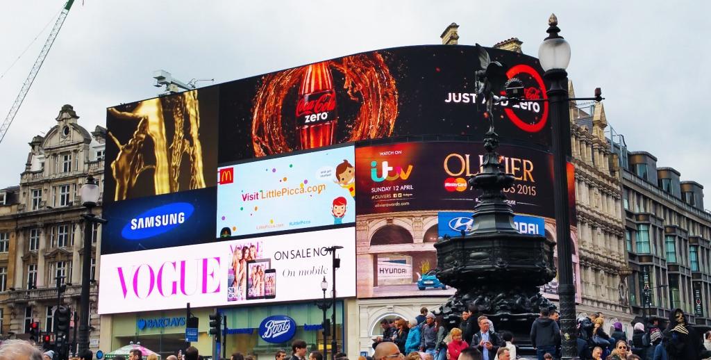 Una de las cosas que puedes hacer en Londres y gratis es visitar esta famosa plaza.